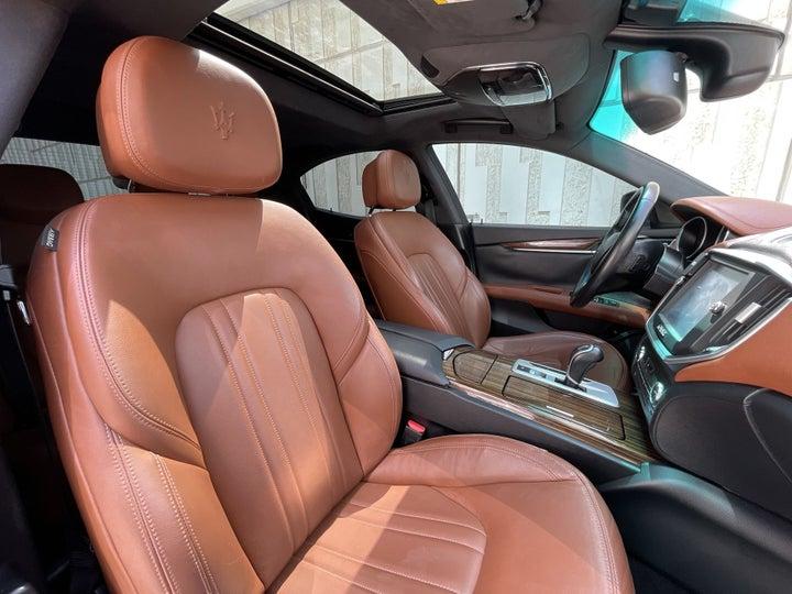 Maserati Maserati Ghibli-RIGHT SIDE FRONT DOOR CABIN VIEW