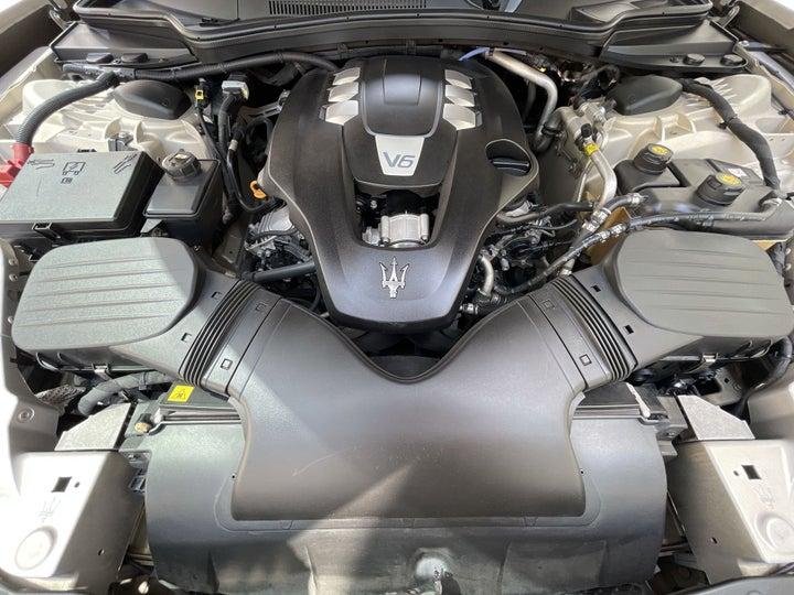 Maserati Maserati Ghibli-OPEN BONNET (ENGINE) VIEW