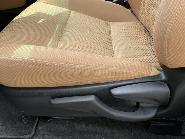 Toyota Fortuner-DRIVER SIDE ADJUSTMENT PANEL