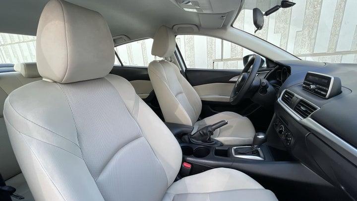 Mazda 3-RIGHT SIDE FRONT DOOR CABIN VIEW