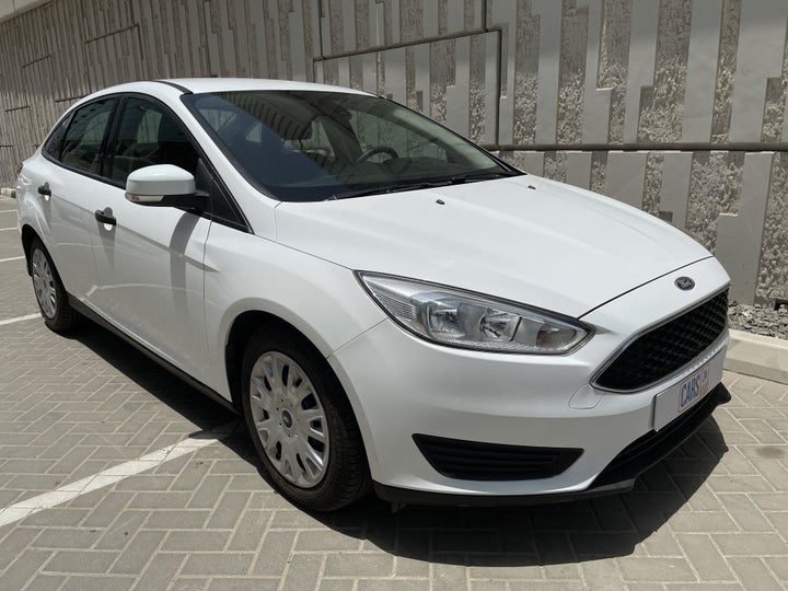Ford Focus-RIGHT FRONT DIAGONAL (45-DEGREE) VIEW