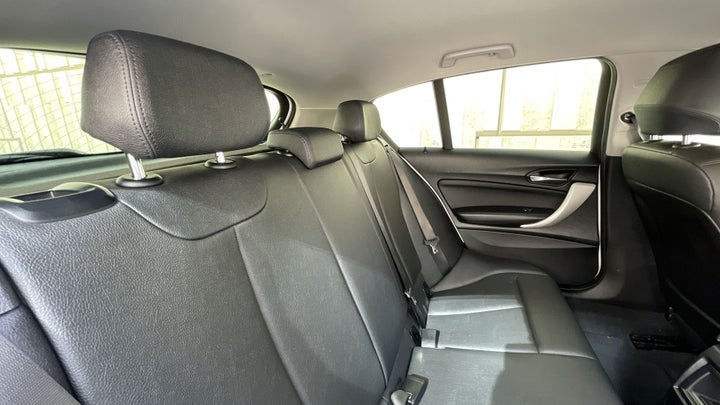 BMW 1 Series-RIGHT SIDE REAR DOOR CABIN VIEW