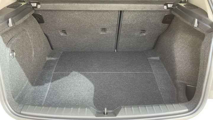 BMW 1 Series-BOOT INSIDE VIEW