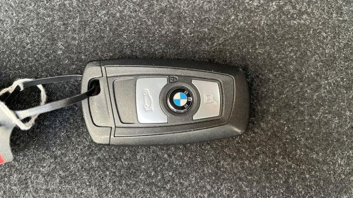 BMW 1 Series-KEY CLOSE-UP
