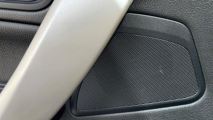BMW 1 Series-SPEAKERS