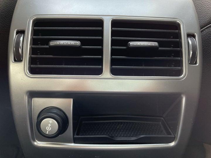 Jaguar XF-REAR AC VENT