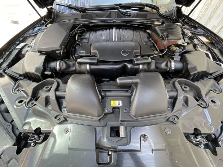 Jaguar XF-OPEN BONNET (ENGINE) VIEW