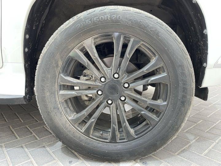Mitsubishi Montero Sport-RIGHT FRONT WHEEL