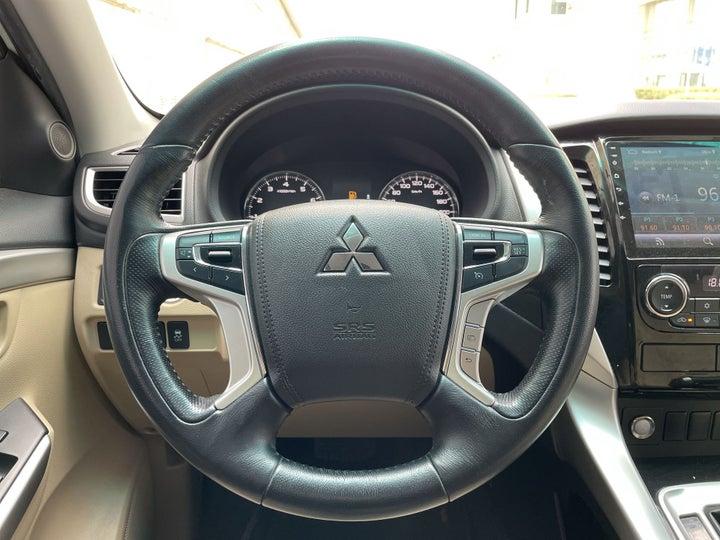 Mitsubishi Montero Sport-STEERING WHEEL CLOSE-UP