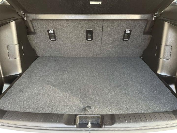 Suzuki Grand Vitara-BOOT INSIDE VIEW