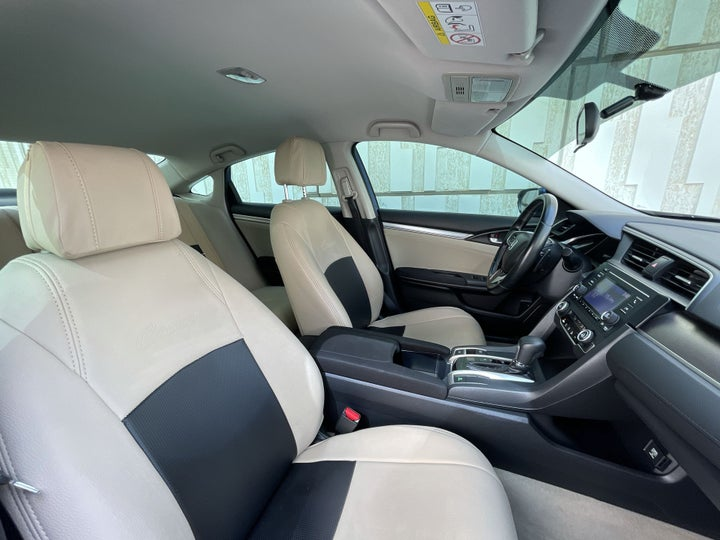 Honda Civic-RIGHT SIDE FRONT DOOR CABIN VIEW