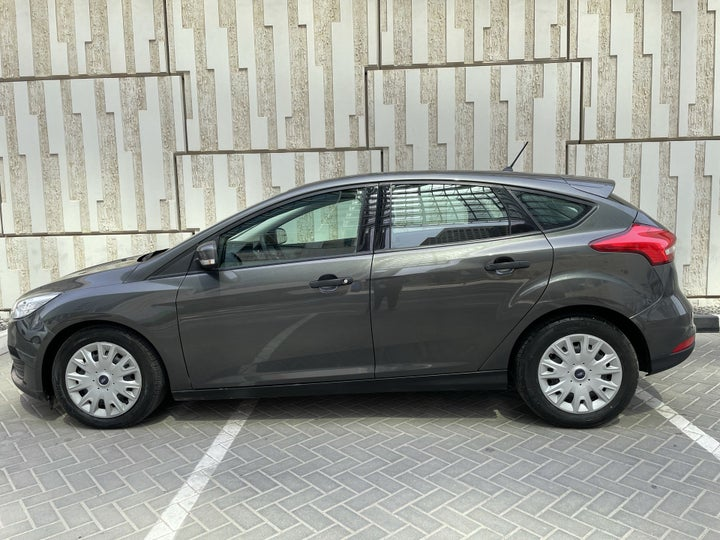 Ford Focus-LEFT SIDE VIEW