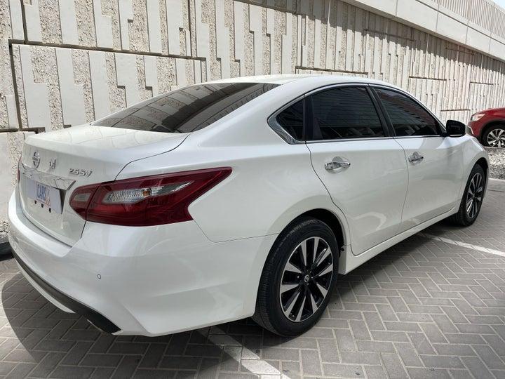 Nissan Altima-RIGHT BACK DIAGONAL (45-DEGREE VIEW)