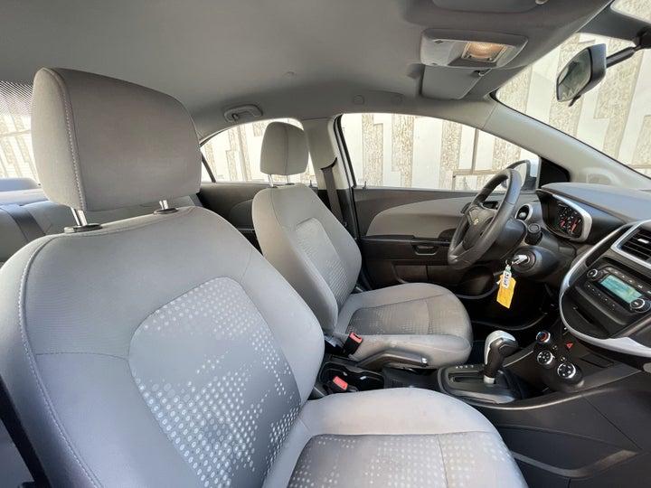 Chevrolet Aveo-RIGHT SIDE FRONT DOOR CABIN VIEW