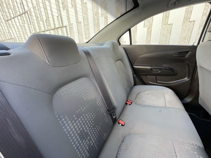 Chevrolet Aveo-RIGHT SIDE REAR DOOR CABIN VIEW