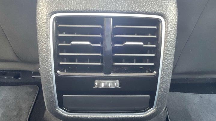Volkswagen Passat-REAR AC VENT