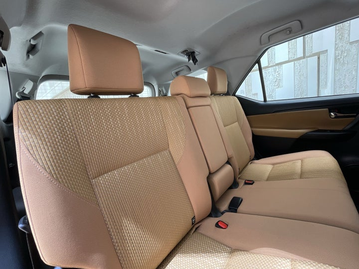 Toyota Fortuner-RIGHT SIDE REAR DOOR CABIN VIEW