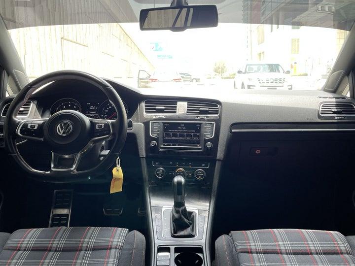 Volkswagen Golf-DASHBOARD VIEW