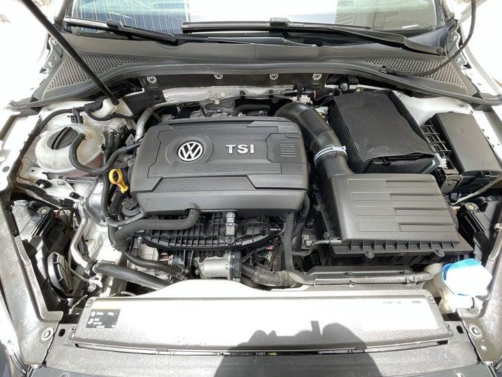 Volkswagen Golf-OPEN BONNET (ENGINE) VIEW