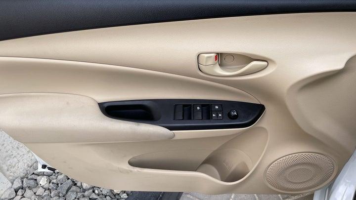 Toyota Yaris-DRIVER SIDE DOOR PANEL CONTROLS
