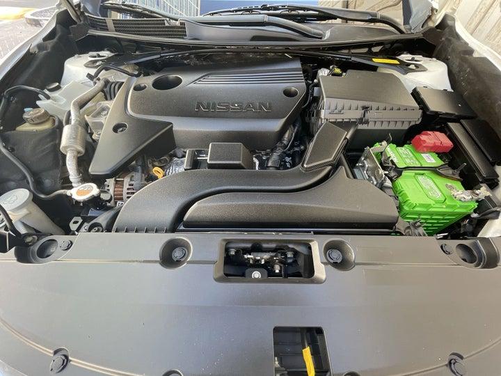 Nissan Altima-OPEN BONNET (ENGINE) VIEW