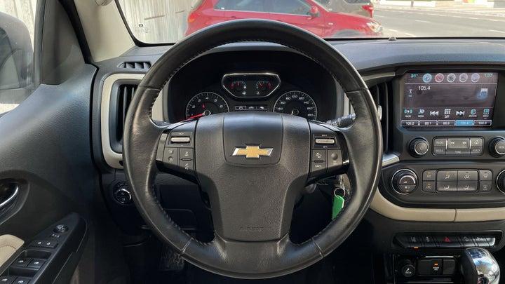 Chevrolet Trailblazer-STEERING WHEEL CLOSE-UP