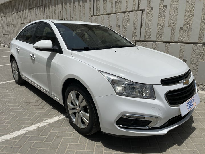 Chevrolet Cruze-RIGHT FRONT DIAGONAL (45-DEGREE) VIEW