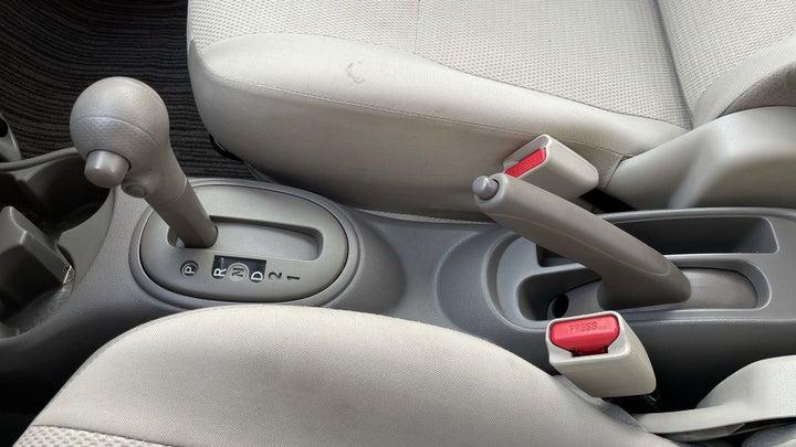 Nissan Sunny-GEAR LEVER