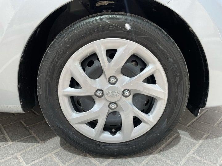 Hyundai Grand i10-RIGHT FRONT WHEEL