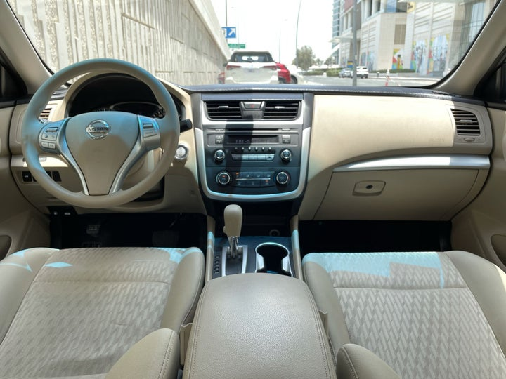 Nissan Altima-DASHBOARD VIEW