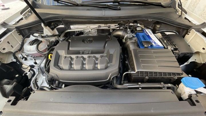 Volkswagen Tiguan-OPEN BONNET (ENGINE) VIEW