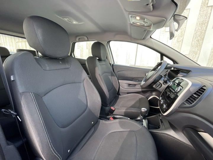 Renault Captur-RIGHT SIDE FRONT DOOR CABIN VIEW