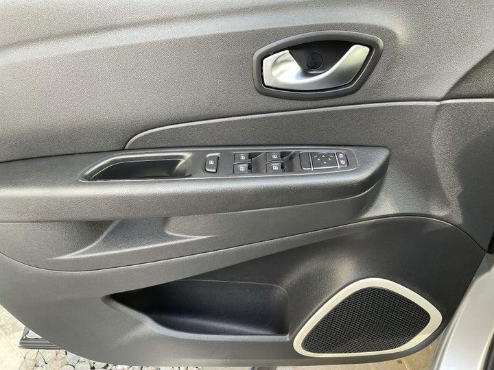 Renault Captur-DRIVER SIDE DOOR PANEL CONTROLS