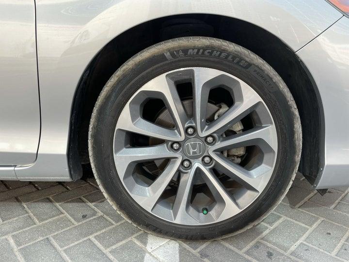 Honda Accord-RIGHT FRONT WHEEL
