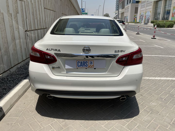 Nissan Altima-BACK / REAR VIEW