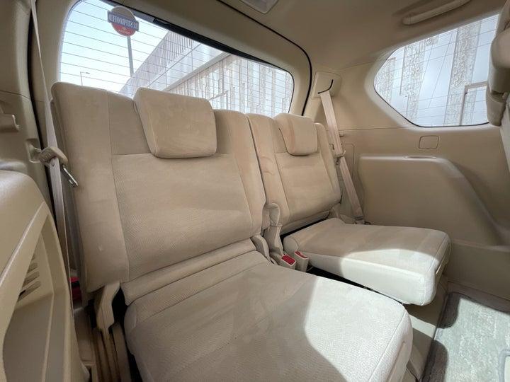 Toyota Land Cruiser Prado-THIRD SEAT ROW (ONLY IF APPLICABLE - eg. SUVs)