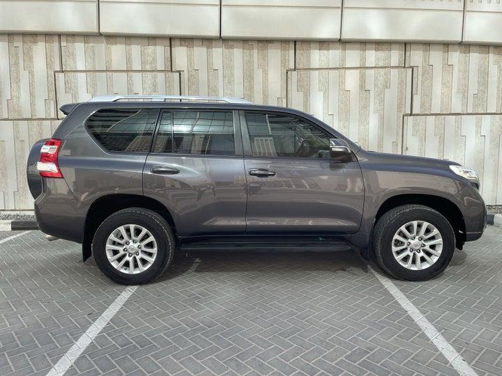 Toyota Land Cruiser Prado-RIGHT SIDE VIEW