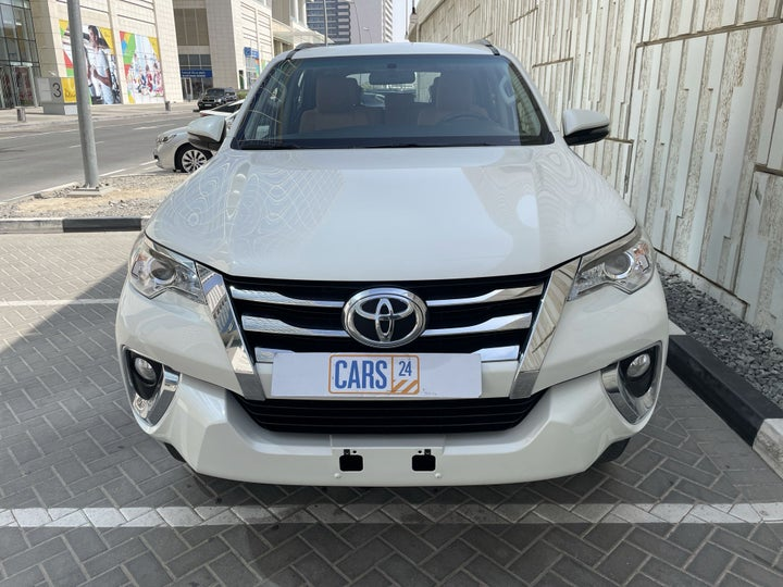Toyota Fortuner-FRONT VIEW
