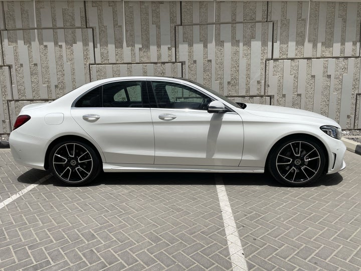 Mercedes Benz C-Class-RIGHT SIDE VIEW