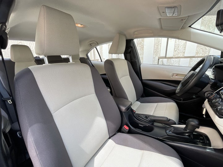 Toyota Corolla-RIGHT SIDE FRONT DOOR CABIN VIEW