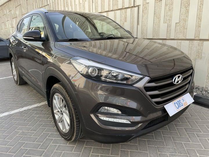 Hyundai Tucson-RIGHT FRONT DIAGONAL (45-DEGREE) VIEW