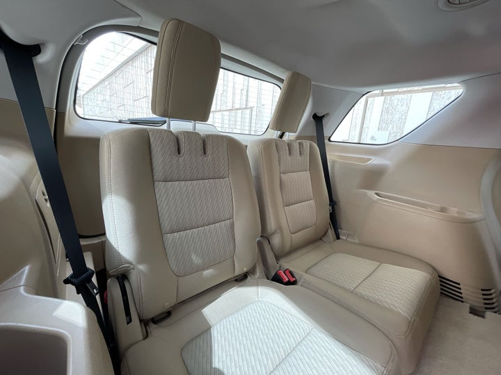 Ford Explorer-THIRD SEAT ROW (ONLY IF APPLICABLE - EG. SUVS)