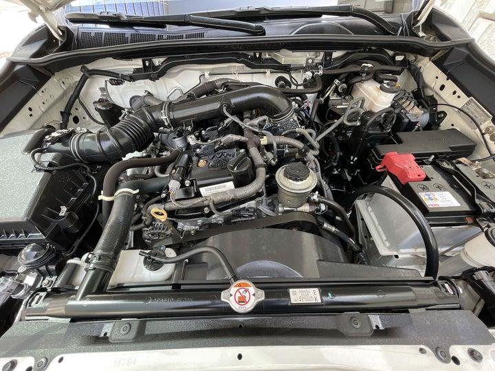 Toyota Fortuner-OPEN BONNET (ENGINE) VIEW