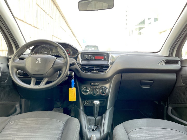 Peugeot 208-DASHBOARD VIEW