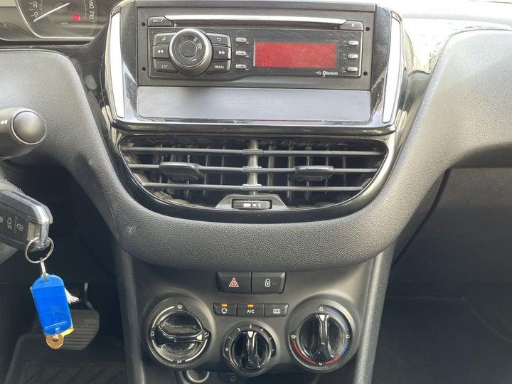 Peugeot 208-CENTER CONSOLE