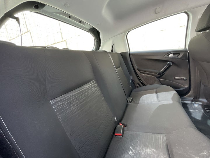 Peugeot 208-RIGHT SIDE REAR DOOR CABIN VIEW