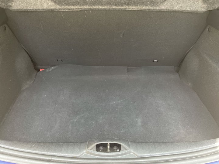 Peugeot 208-BOOT INSIDE VIEW