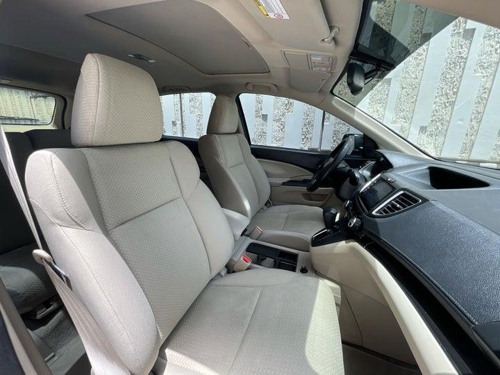 Honda CR-V-RIGHT SIDE FRONT DOOR CABIN VIEW