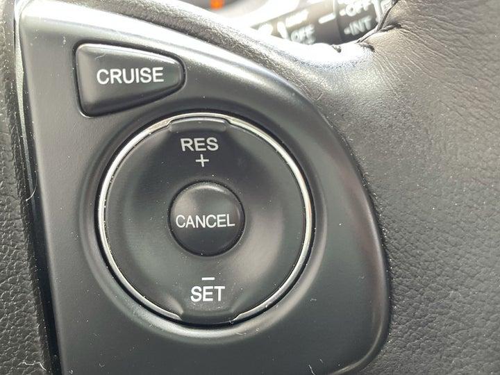 Honda CR-V-CRUISE CONTROL