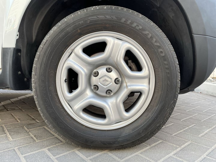 Renault Duster-RIGHT FRONT WHEEL